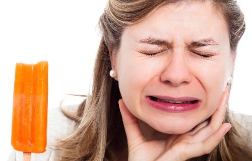Dấu hiệu, nguyên nhân, cách điều trị viêm tủy răng.