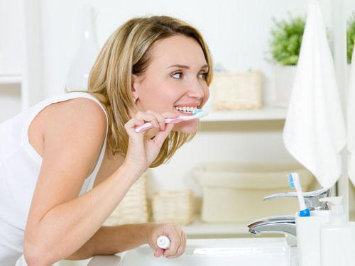 chăm sóc răng nhạy cảm 2