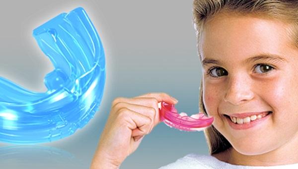 Chữa bệnh nghiến răng trẻ em