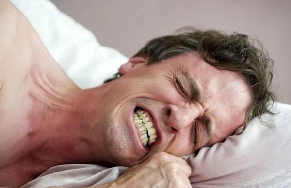Ngủ nghiến răng là người như thế nào?