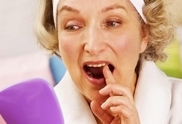 Răng sâu lung lay