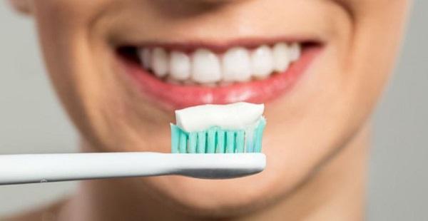 chăm sóc sau nhổ răng hàm